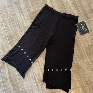 Onque. Casual women's pants